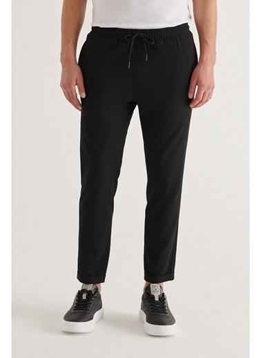 Avva Erkek Yandan Cepli Beli Lastikli Kordonlu Düz Relaxed Fit Pantolon E003000 Siyah